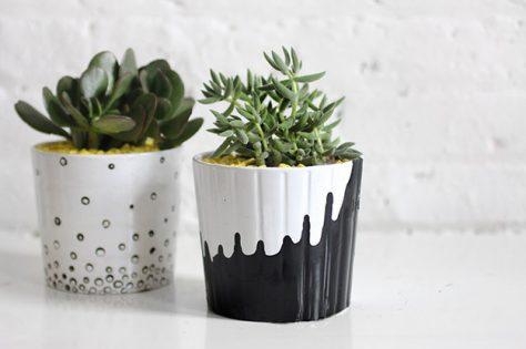 macetas para la decoración en blanco y negro.