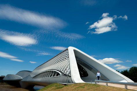 Puente pabellón de Zaragoza Zaha Hadid