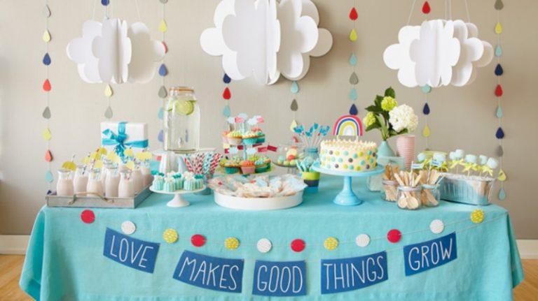 Mesa de dulces para organizar un baby shower
