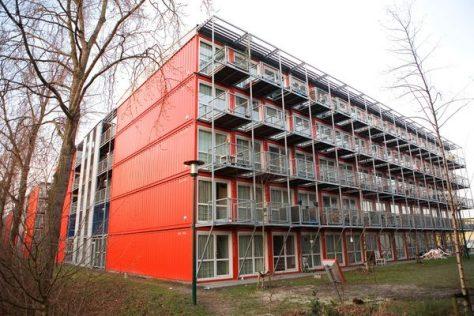 Edificio hecho con containers