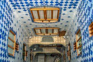 Patio interior de Antoni Gaudí