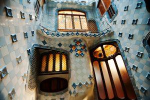 Interior Casa Balltó de Antoni Gaudí