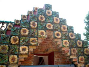 Detalle girasoles de Antoni Gaudí