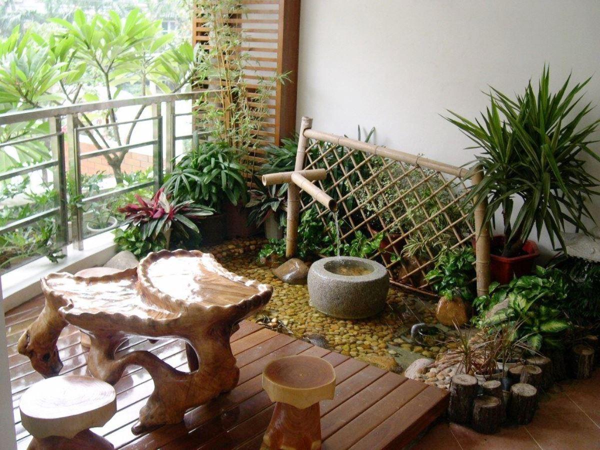 decorar un balcón como un jardín