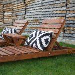 decorar un balcón con muebles de palets
