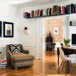 ideas para aprovechar espacios con estantes altos