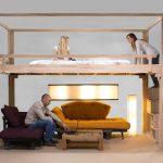 ideas para aprovechar espacios con cama alta en dormitorio