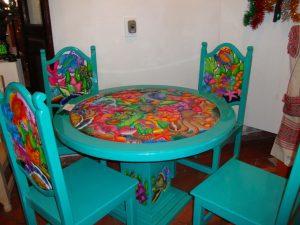 juego de mesa y sillas estilo mexicano